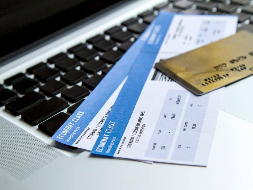 Facebook Free Airline Ticket Scams Run Rampant on Facebook